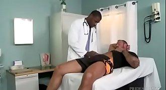 Médico fudendo com paciente gostoso