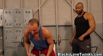 Buff black guy spunks